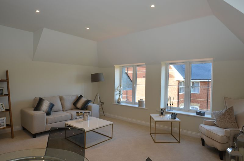 Monterey Royal Close Flat 26