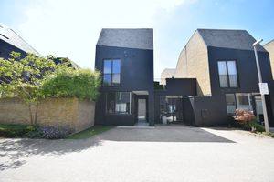 Moss Lane Newhall
