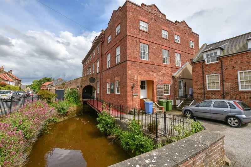 Mill Court Ruswarp