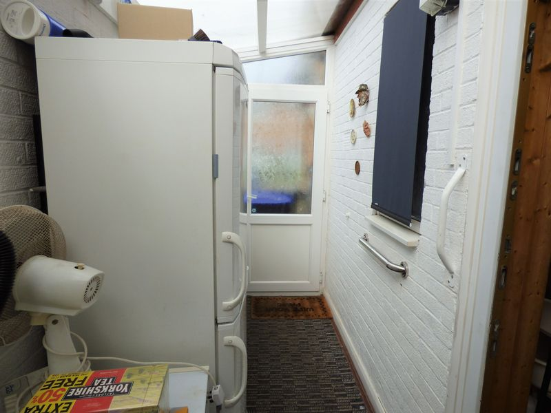 Side lean-to